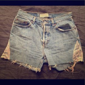 VINTAGE Cut-Off High-Waisted Shorts with Lace